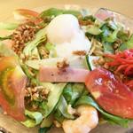 北海道らーめん奥原流 久楽 - がっつり夏麺(冷やしらーめん) 810円。