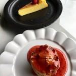 休暇小屋 - ミニケーキ2種ともに「旨〜っ!」