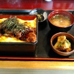 Torisei - 小鉢・味噌汁つき