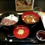 54181853 - 能登牛ステーキ丼(1500円)