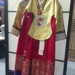 韓料理夢回廊 - インテリアのチマチョゴリ