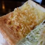 明日香 - アーモンドトースト