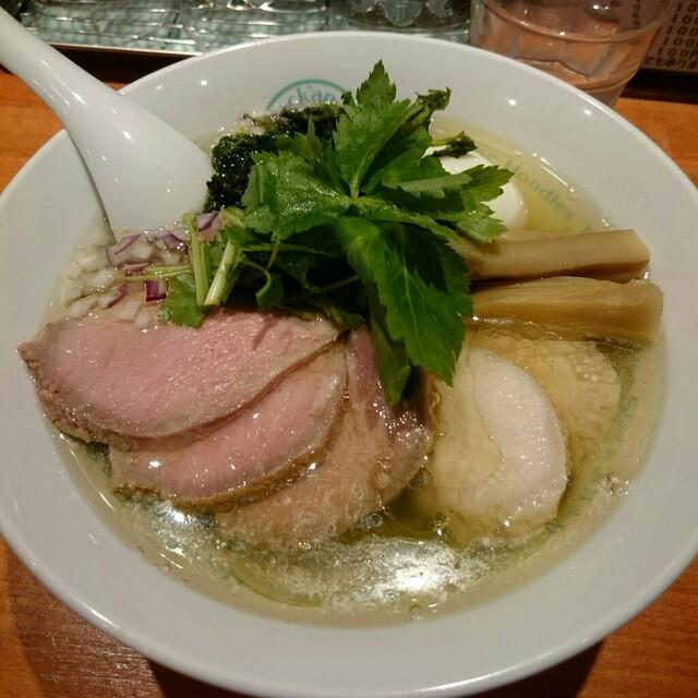 麺屋 六感堂 - 塩グリーン麺ゆず三つ葉。