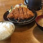 味楽亭 - 料理写真:ロース(並)定食