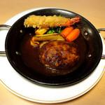 レマン - 料理写真:松阪牛のハンバーグと天使のエビフライ1本