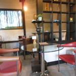 カフェ ハナナ - テーブル席