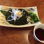魚介料理 海 - 石垣島風のもずく。さっぱりと蕎麦つゆで!