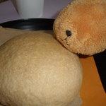 花畑牧場カフェ - これが生メロンパンだ!