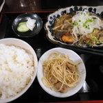 5422797 - 秋鮭のきのこあんかけ定食