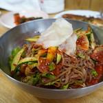 韓国家庭料理 漢江 - 料理写真:ビビン冷麺
