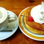 54222157 - ウインナーコーヒーとシロノワール☆