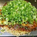 お好み焼き ロンちゃん - 肉玉そば650円+ネギ(+150円)