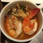 タイレストラン タニサラ - トムヤンクンの具