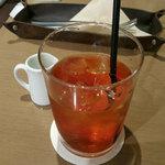 カフェ&ブックス ビブリオテーク - アイスティー