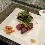 ホテルオークラレストラン 鉄板焼き さざんか - 国産牛ヒレステーキ サラダ添え