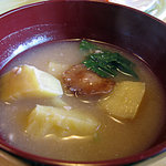 レストランスカイ - さつま芋のお味噌汁はご自由にどうぞ
