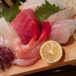 かわなみ鮨 - 刺身盛合せ 関さば、墨烏賊、トロ、甘えび、イサキ(2010/10)