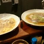 立ち呑み 島ちゃん - カウンターに手作りツマミ