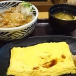 まいしょく家 高松兵庫町店 - ロースおろし豚丼とふわふわ玉子焼きで690円