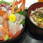 54249164 - 海鮮丼(上)アップ