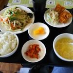54250082 - 野菜炒めランチ680円