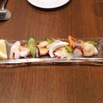 旬香亭 - 新鮮な魚介のマリネ (烏賊、蛸、海老、帆立貝)