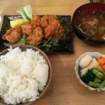 ビアガーデンはずみ - 料理写真:H28.07.31 唐揚げ定食500円。