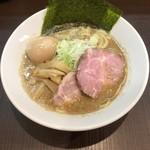 麺屋りゅう - 背脂煮干しそば(鶏 + 鯵煮干し) + 味玉