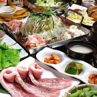 全80品食べ放題&飲み放題のコースを3,500円(税込)