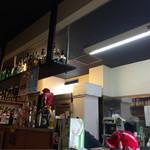 太たこ - お店の内観です。 お酒の種類も豊富!