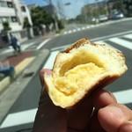 ベーカリー 西念 - ミニクリームパン¥70