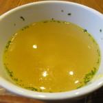 まる豚 - スープ