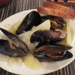 ワインバー&キッチン食堂メルカド - ムール貝