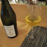 ワインバー&キッチン食堂メルカド - ワイン ジュライ地方(?)のシャルドネ