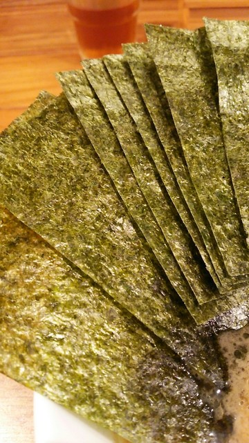 横浜家系 麺屋はやぶさ - 海苔増しは7枚70円。