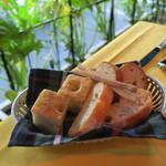 イル・ボッカローネ - 自家製パンが美味〜♬