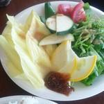 54267966 - 花(黄色の)のサラダ  美味し♡