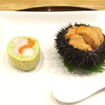 潟潟ヤ - 赤白雲丹の茶碗蒸しと北海道のセイコカニ枝豆