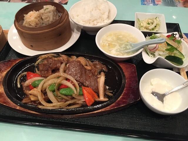 大成閣 - 神戸牛の中華焼肉定食(1620円)