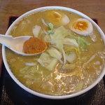 カムロ リーベ  - 料理写真:カムロみそらーめん(800円)、煮玉子(100円)