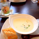 ラ コッペ - ランチセットのスープ&パンと前菜