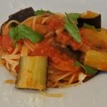 5+ - 料理写真:茄子とパルミジャーノチーズのトマトソーススパゲティ