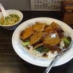 チャイナキッチン 杭州 - 豚の角煮ご飯、スープ