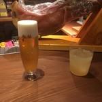 カフェバー ケル ヴィー  - 生ビールはアサヒ
