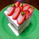 御影高杉  - 苺のショートケーキ 580円