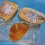 丸十ベーカリー - 自家サラダパン(230円)、焼そば(150円)、ジャムパン(120円)