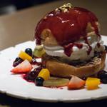 グロリアスチェーンカフェ - 2016.7 フルーツ・アイスクリームバーガー