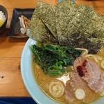 房総豚骨ラーメン こてメン堂 - 太麺豚骨ラーメンBセット(小ライス+餃子3個)