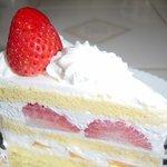 パティスリー シュシュ - 定番の「ショートケーキ」