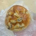 Montabo - 金時豆パン @151円